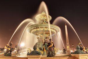 Fuente de los mares en la Plaza de la Concordia en París