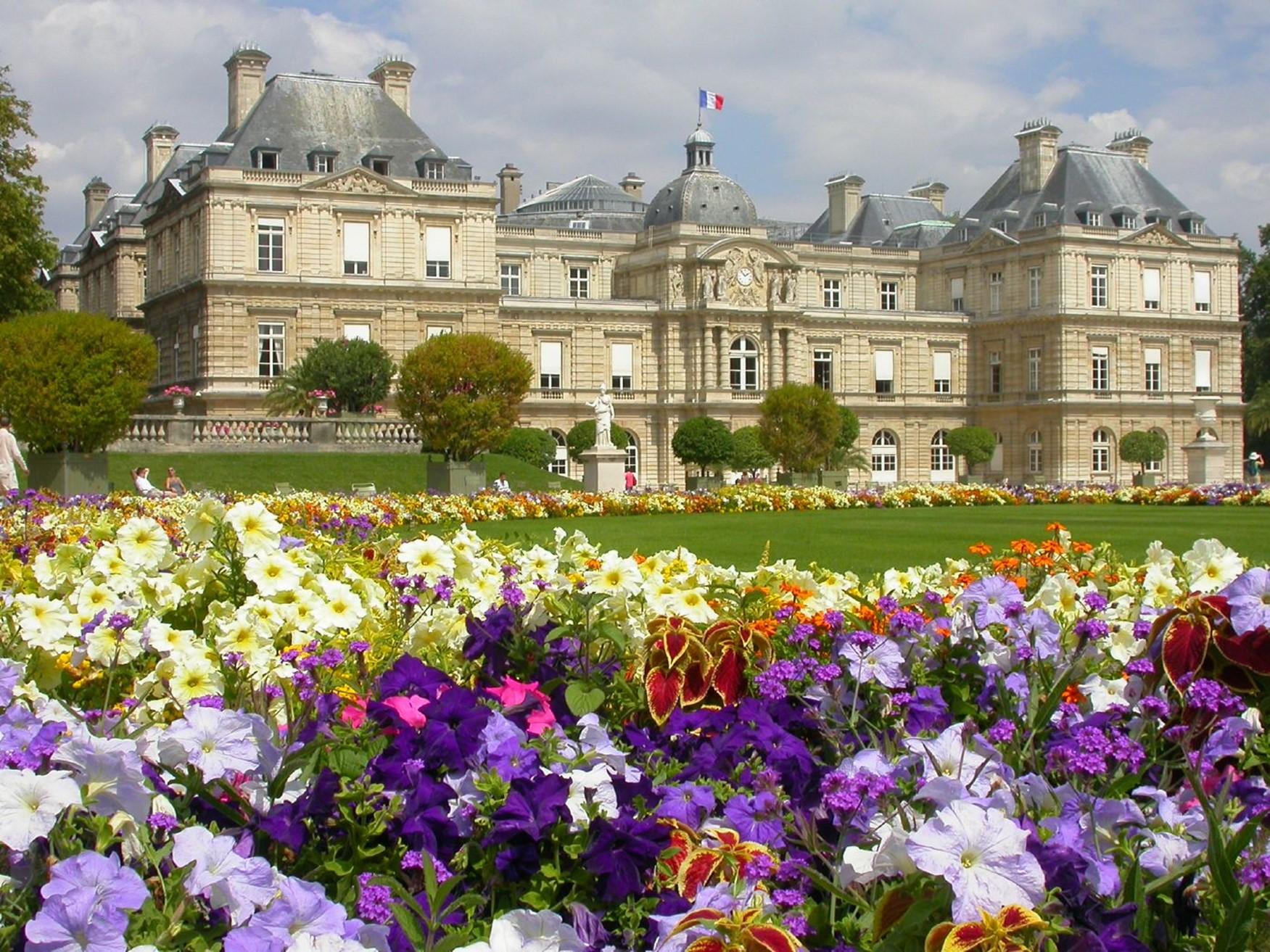 Clima de francia viajar a francia for Jardines en primavera fotos