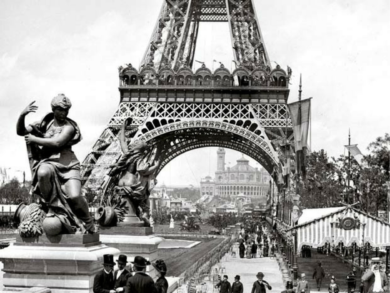 Torre eiffel s mbolo historia tours tickets y for Creador de la torre eiffel