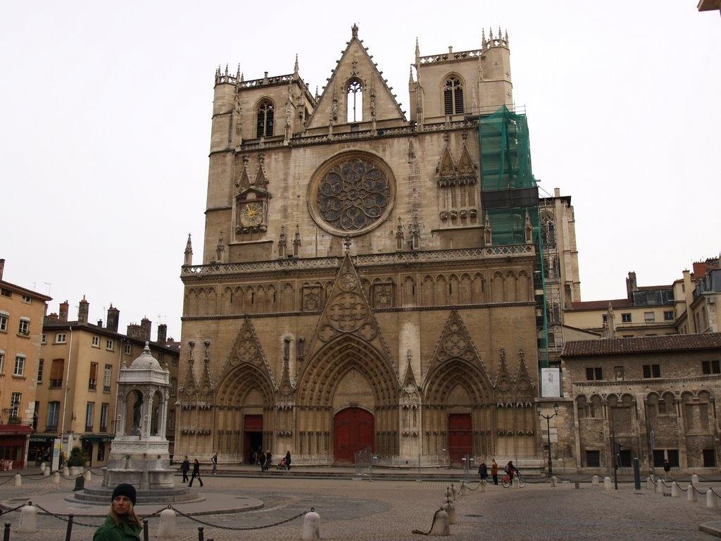 catedral saint jean de lyon viajar a francia. Black Bedroom Furniture Sets. Home Design Ideas