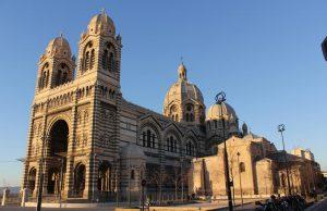 Iglesias en Marsella